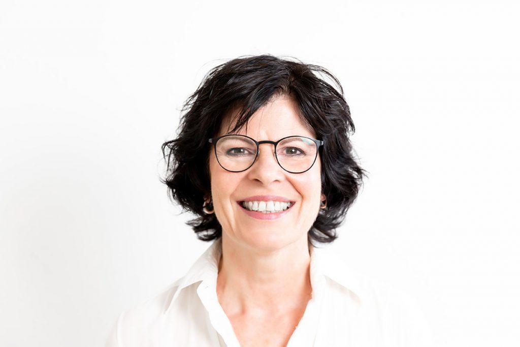 Wir bedanken uns bei Frau Dr. Ursula Ewald als Seniorchefin für die hervorragende, langjährige Zusammenarbeit und wünschen Ihr alles erdenklich Gute.